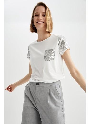 DeFacto Payetli Bisiklet Yaka Relax Fit Cep Detaylı T-shirt Ekru